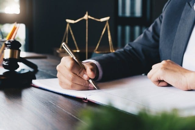 How an Aggravated Assault Lawyer May Be Able to Defend You